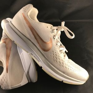 Mint LIGHT CHAMPAGNE  NIKE PEGASUS 34 Womens 8.5